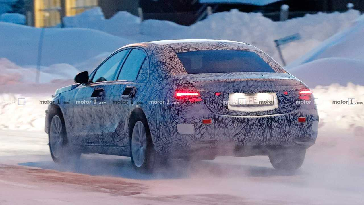 Mercedes-Benz S-Class sedan spy shots
